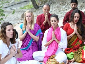 30 Days 200 Hours Akhanda Yoga Teacher Training in Rishikesh
