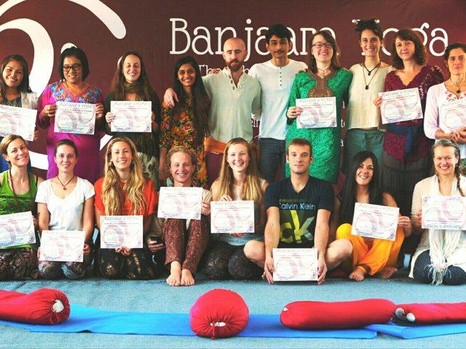 14 Tage 100-Stunden Hatha Yogalehrer Ausbildung in Dharamsala, Indien