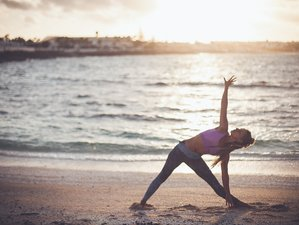 8 Days Water Women Retreat: Happy and Healthy Surfing Yoga Holiday in Fuerteventura, Spain