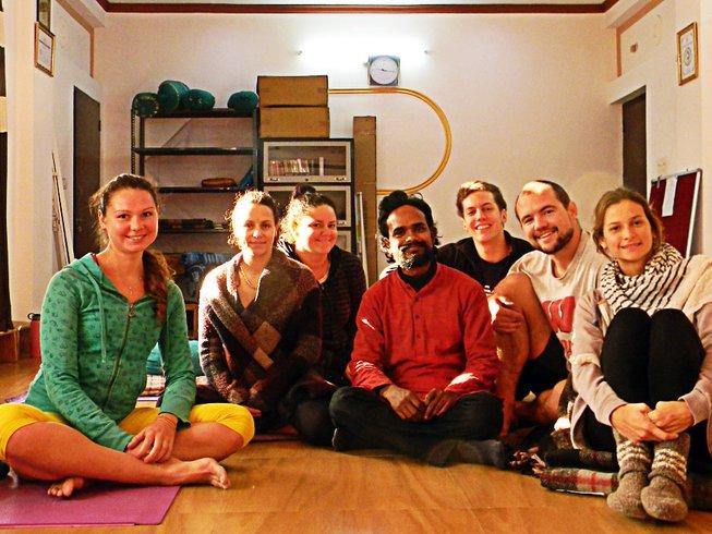 7 jours en retraite de yoga et méditation pour débutants à Rishikesh, Inde