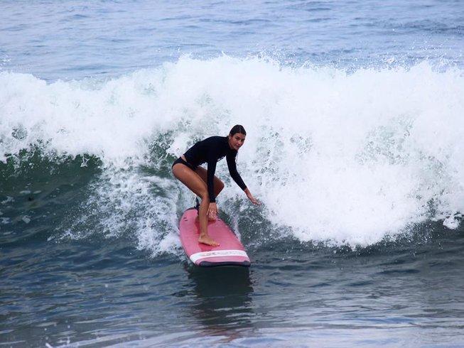 """5-Daags """"Surf & Stay"""" Yoga en Surfkamp op Bali, Indonesië"""