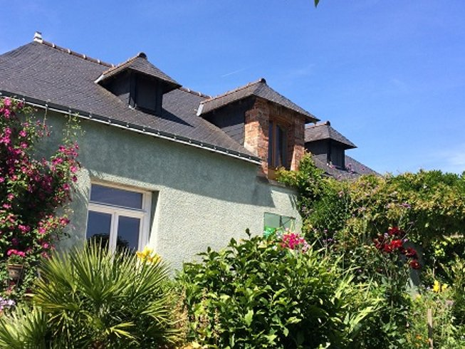 5 Days Personal Development, Meditation, and Yoga Retreat in Pays de la Loire, France