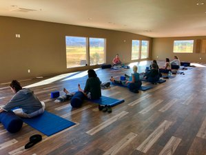 5 Day Capitol Reef National Park Yoga and Hiking Retreat in Utah