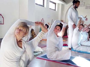 21 Days 200-Hour Ancient Style Hatha Yoga Teacher Training in Rishikesh, India