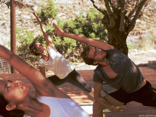 8 Tage Fröhlich Leben Yoga Urlaub auf Kreta mit Julie