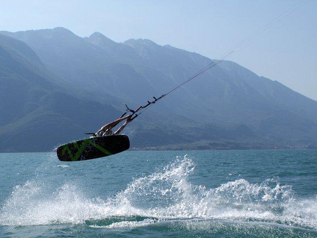 6 Days Kitesurfing Surf Camp Italy