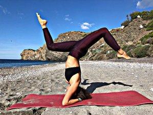 4 días de retiro escapada saludable con yoga y nutrición detox en Playa La Joya, Granada