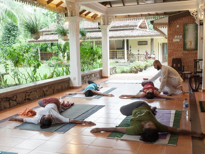 22 Days Panchakarma with Meditation and Yoga Retreat in Kalutara, Sri Lanka