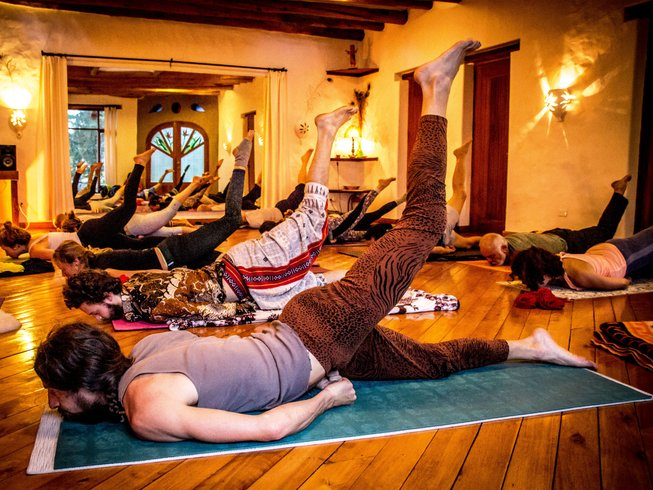 42-Daagse 300-urige Yoga Docentenopleiding in Ecuador