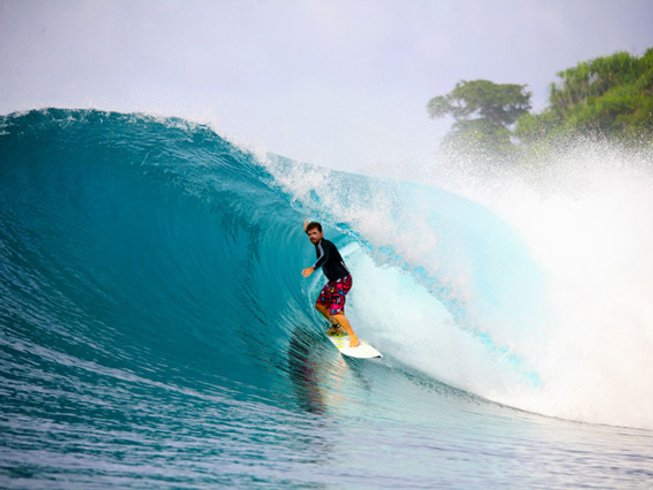 8 Days Surf Camp in Indonesia