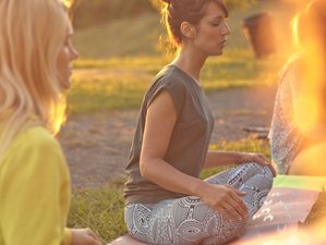 8 Tage Surf, Meditation und Yoga Retreat in Montalivet, Frankreich