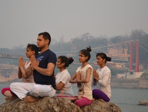 6  Days Yoga and Meditation Retreat in Rishikesh, India