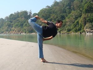 10 Days Beginner Yoga Retreat in Rishikesh, India