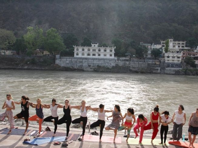 15 Days 100-hour Spiritual Yoga Retreat in Rishikesh, India