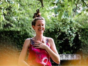 4 Day Sisterhood Gathering for All Women with Yoga, Sister Circle, and Nutritious Food in England