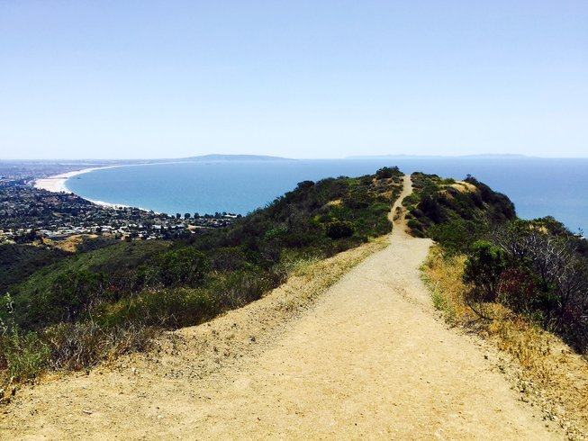 7 Days Luxury Hiking and Yoga Retreat in Pacific Palisades California