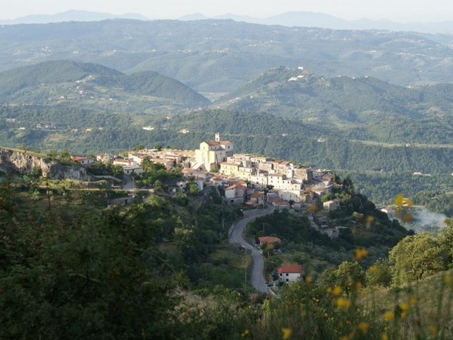 4 Days Walking Meditation and Yoga Retreat in Abruzzo National Park, Italy