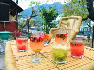 3 Day Detox Juice Cleanse and Yoga Retreat in Rishikesh