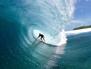 8 Days Notable Surf Holiday in Thulusdhoo, Maldives
