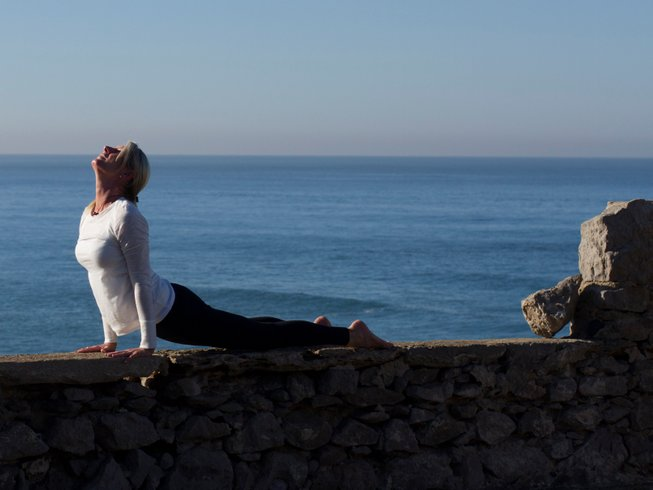 6 Days Vibrant Detox and Yoga Retreat in Portugal