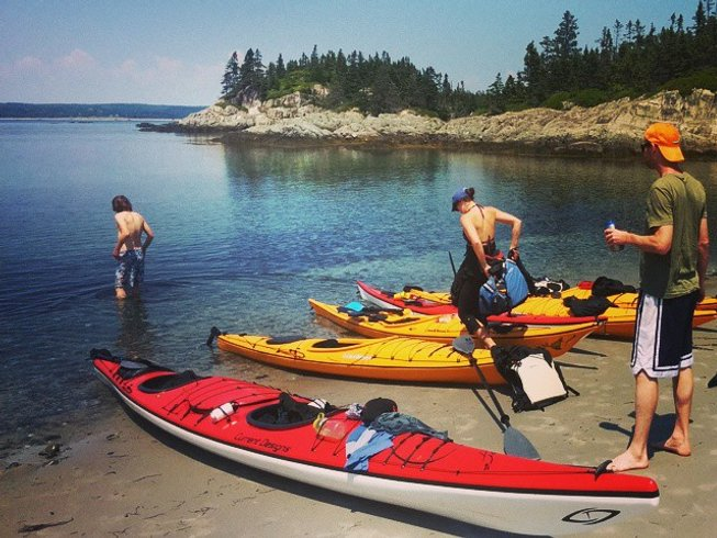 4 Days Sea Kayaking and Yoga Retreat Canada
