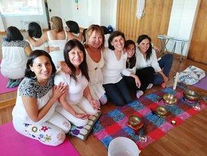 Profesorado de yoga de 200 horas con especialización de yoga para embarazadas en línea