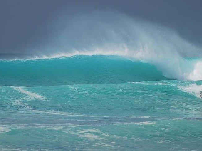 7 Days Kitesurfing Kiribati Surf Camp