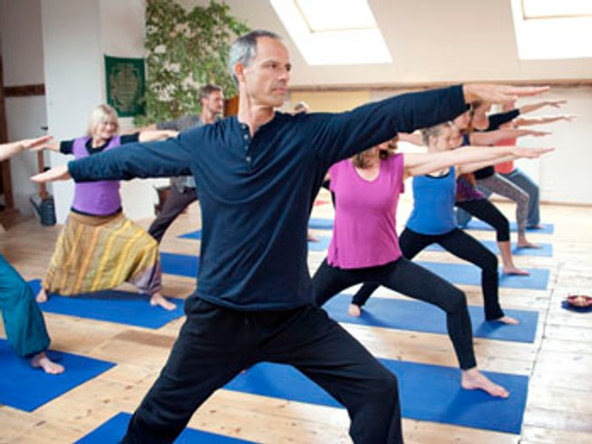 4 Days Autumn Nature and Yoga Retreat in Devon, UK