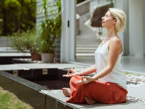 4 Day Three Steps to Bliss Yoga, Meditation, and Healing Immersion in Hong Kong