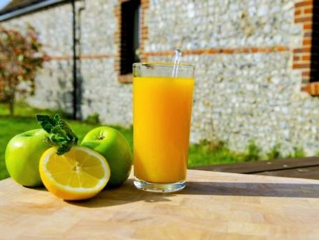 5 Days Juice Detox and Yoga Retreat in the UK