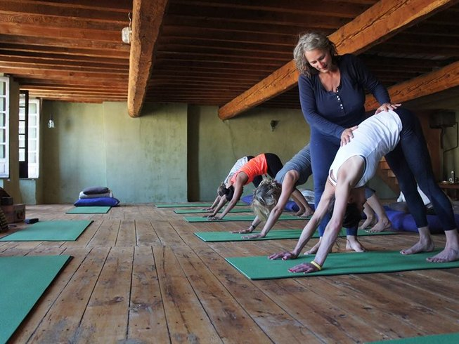 4 Days Vegan Detox and Yoga Retreat in France