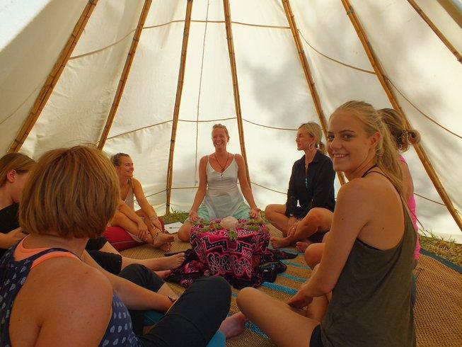 7 jours en retraite de yoga et méditation niveau intermédiaire à Malaga, Espagne