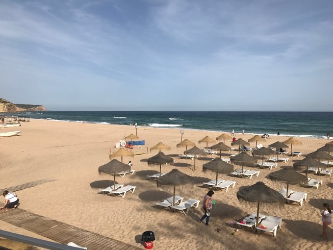 7 días vacaciones de yoga, conciencia plena y jugos en Salema, Portugal
