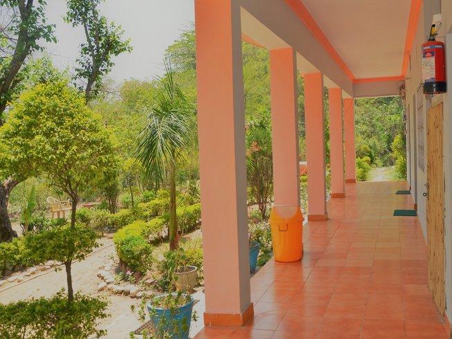 """8 Tage """"Entwicklung der weiblichen Natur"""" Frauen Yoga und Meditation Retreat in Rishikesh, Indien"""