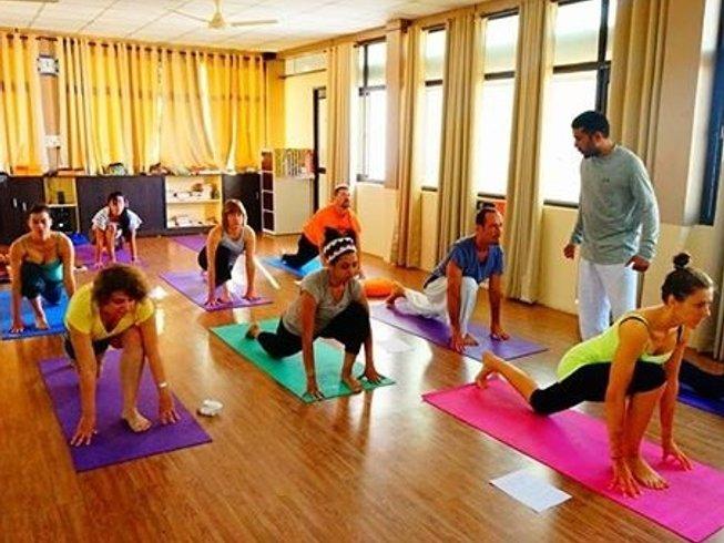 28-Daagse 200-urige Hatha Yoga Docentenopleiding in Rishikesh