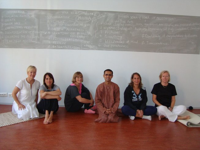 10 Days 100-Hour Meditation and Yoga Retreat India