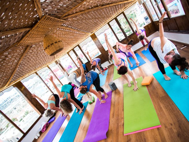 7 Days Yin and Yang Yoga and Surf Retreat in Agadir, Morocco