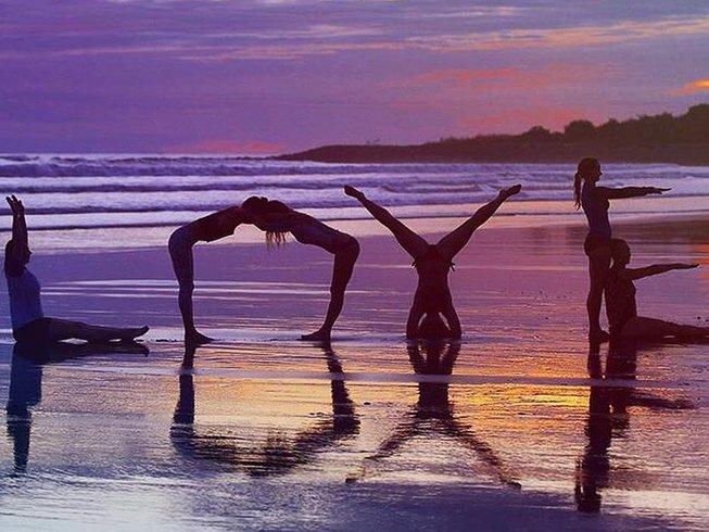 9 Tage Unbegrenzt Surfen und Yoga Retreat in El Salvador