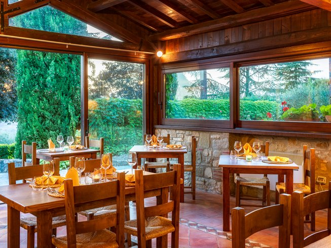 4 Days Kitchen and Truffle Hunt Cooking Holiday in Umbria, Italy