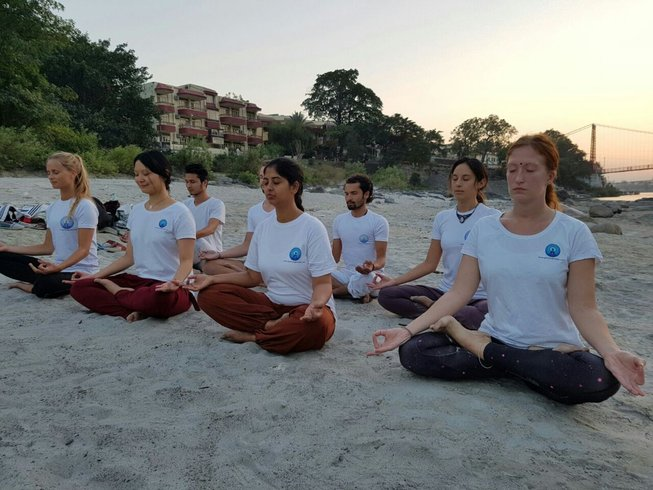 14 Days Transformational Meditation and Yoga Retreat in India