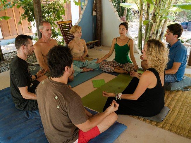 29 días profesorado de yoga (200 horas) y cursos multimedia en Siem Reap, Camboya