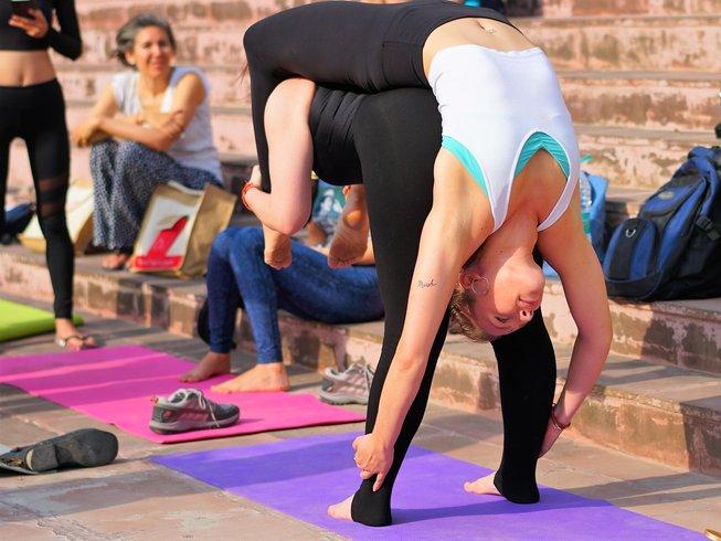 30 Tage 300-Stunden Yogalehrer Ausbildung in Rishikesh, Indien