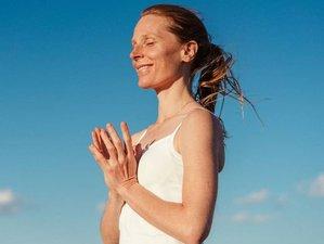 """7 jours en stage de yoga """"Sadhana Intensive"""" avec méditation et relaxation à une heure de Paris"""