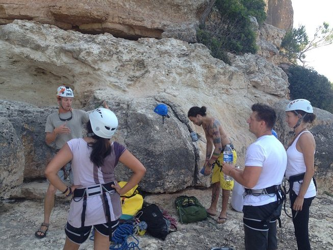 8 Days Rock Climbing & Ashtanga Yoga Retreat in Spain