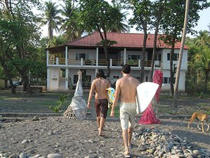 5 Days Refreshing Surf Camp in La Libertad Department, El Salvador