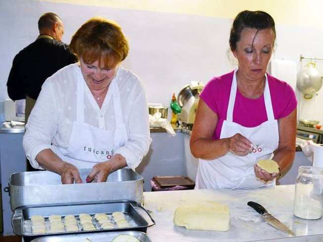 7 Days Tuscany Cooking Vacations at Azalea Farm House
