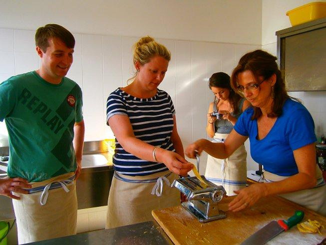 7 Days Relaxing Cooking & Trekking Trip in Umbria