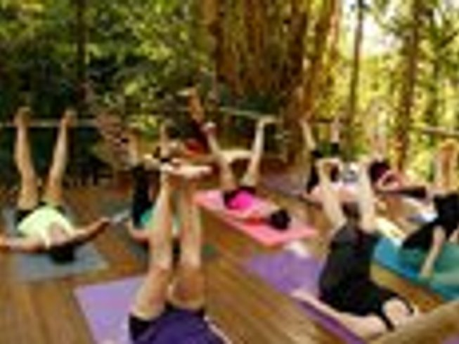 7 Days Raw Foods, Detox, & Yoga Retreat in Costa Rica