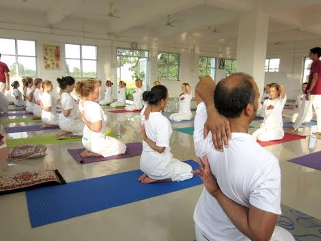 26 Days 200-hour Yoga Teacher Training in India