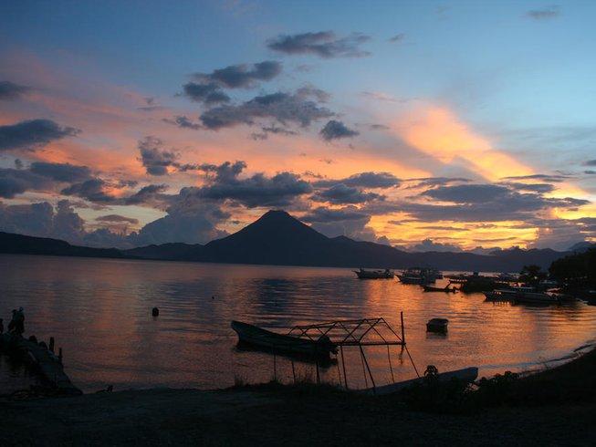 8 días de código mariposa: un camino mágico al despertar y retiro de yoga en Guatemala